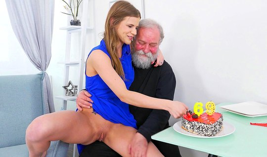The brunette came to his grandfather for the holiday and fuck him on the couch