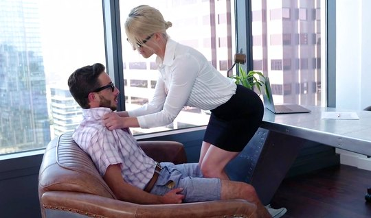 Mature babe in the office climbed to a member of his young Secretary
