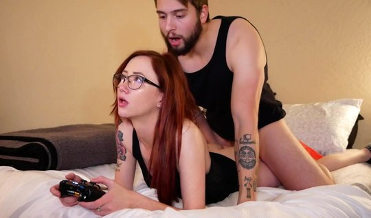 Redhead girl in glasses pose a cancer for Fucks homemade porn