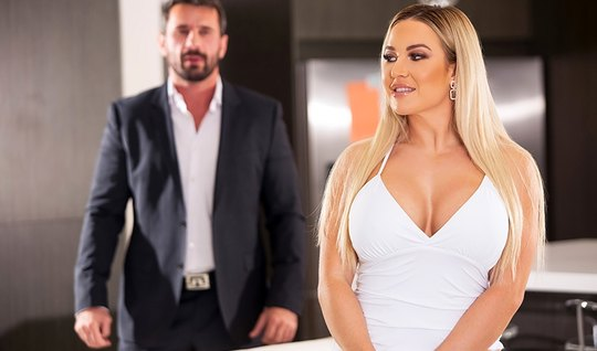 The blonde bared her large milkings in front of a trader from Brazzers and got a kick