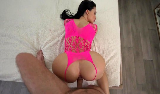 Mature Aletta ocean has time during sex to squeeze their huge knockers and masturbate the clitoris