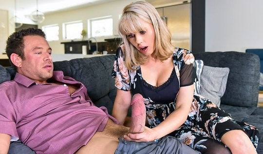 Mature blonde amber chase moaning from the buzz during cunnilingus and sex in the pose of a rider...