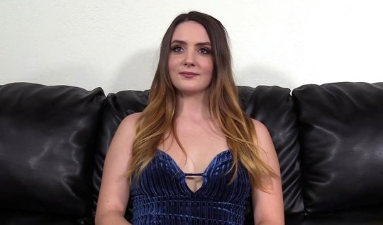 A young girl came to the casting and is ready for a whipping on the couch...