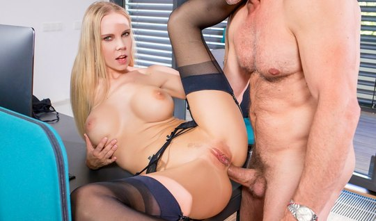 Blonde in stockings does not deny herself anal sex right in the office in a variety of positions