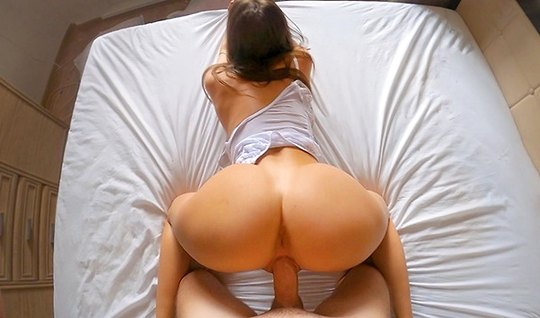 Wife early in the morning gave her husband a blowjob in the first person and got up doggy style for