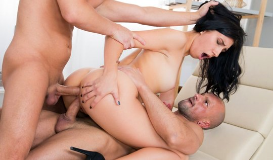 Brunette during a Threesome anal received from the guys double penetration